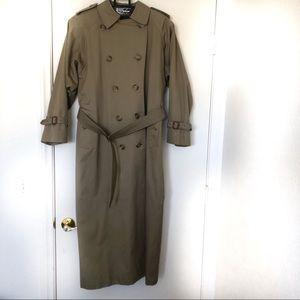 Burberry Trench Coat Zip Liner Size 10 Beige